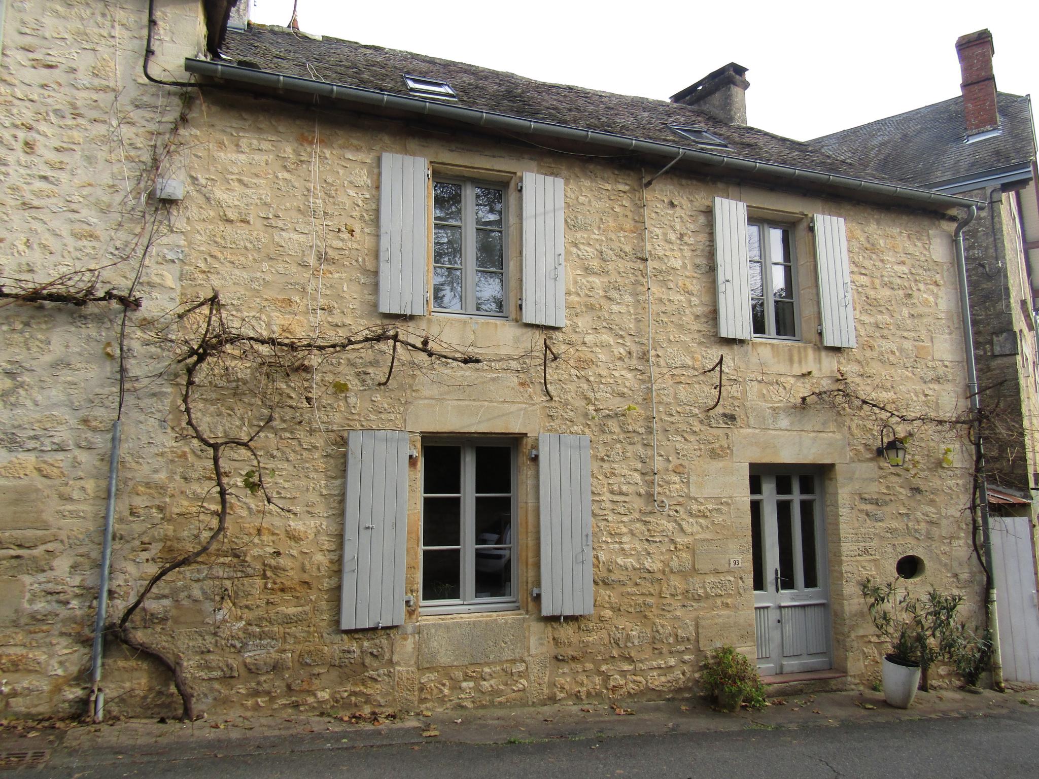 vente Maison de village de caractère en pierre avec jardinet au